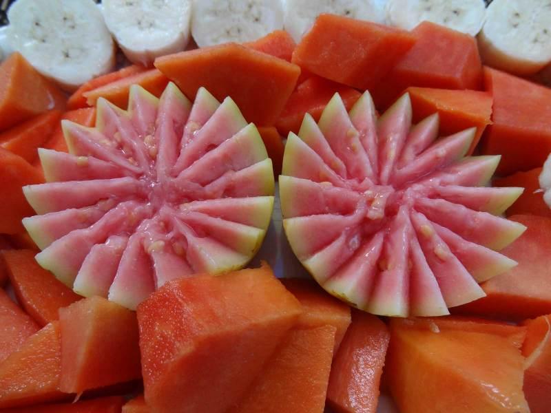 Zum Frühstück gibt's frische Früchte
