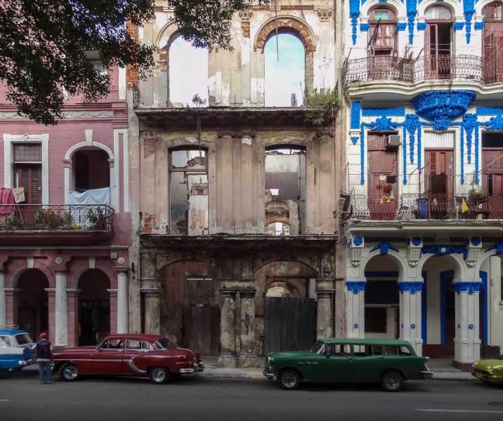 Gegensätze in den Strassen von La Habana