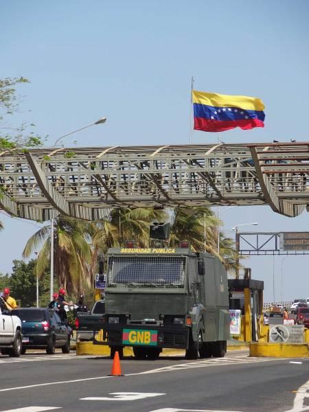 Brückenwache in Maracaibo