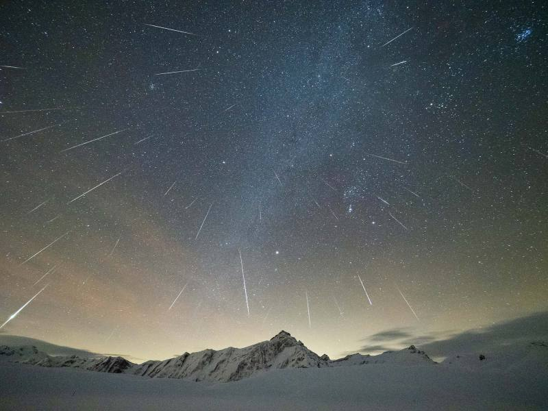 colorfish-martina-gees-night-geminids-meteor-shower