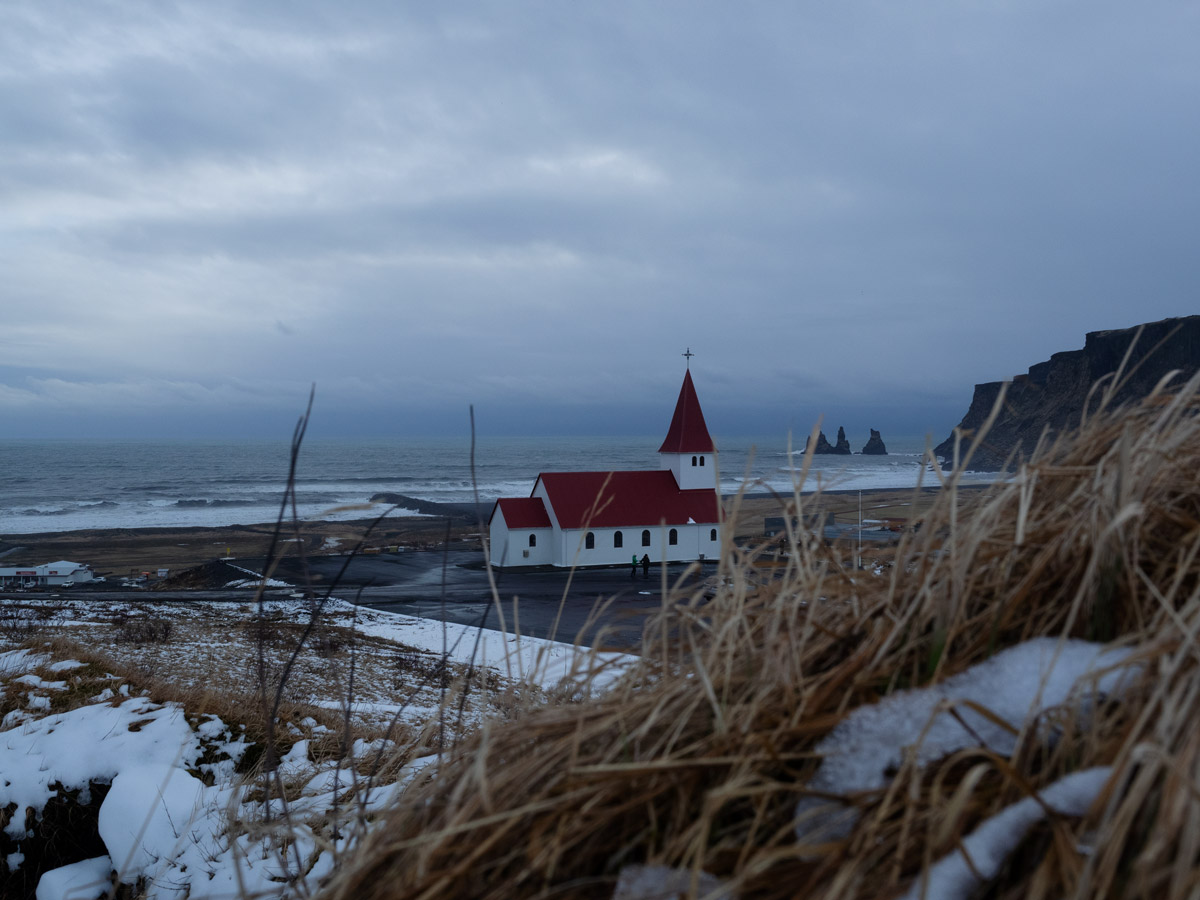 Die Holzkirche von Vík
