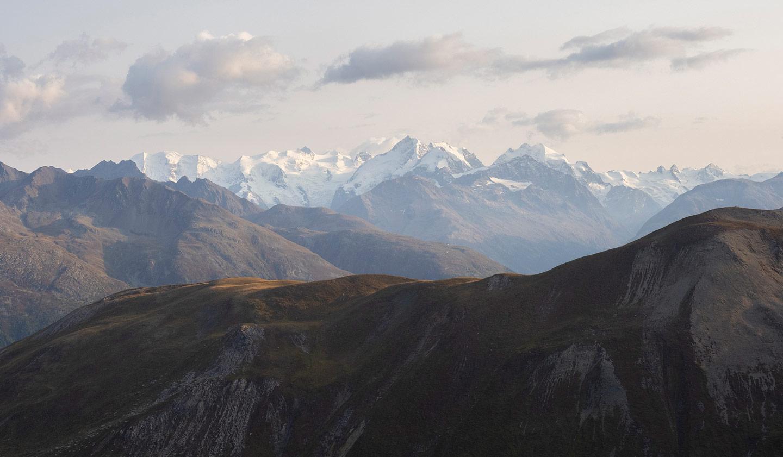 Die Berninagruppe, gut zu sehen der Biancograt und der Piz Bernina